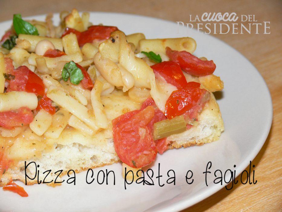 Pizza con pasta e fagioli