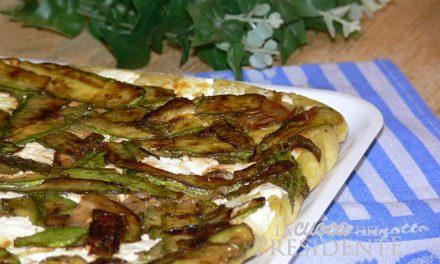 Pizza rovesciata con ricotta zucchine e scalogni